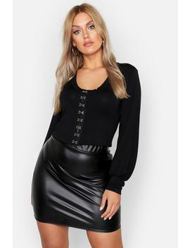 Plus Hook Eye Detail Longsleeve Crop Top by Boohoo