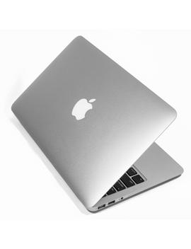 Apple Mac Book Air Md223 Ll/A 11.6 Inch Laptop 4 Gb Memory / 64 Gb Ssd   Refurbished by Apple