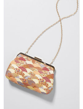 Scalloped Sensation Clutch by Modcloth