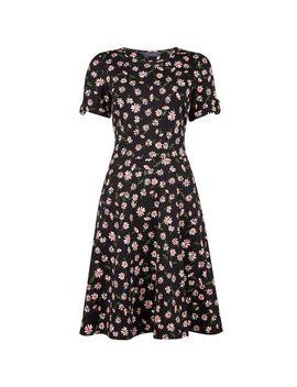 **Tall Black Daisy Print T Shirt Dress by Dorothy Perkins