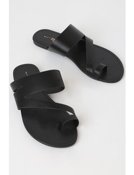 Tegan Black Toe Loop Flat Sandals by Lulu's