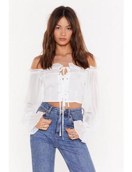 Lace Closed Off The Shoulder Cropped Blouse by Nasty Gal