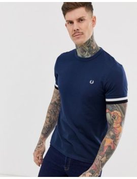 Fred Perry   Piqué T Shirt Met Contrasterende Biezen In Marineblauw by Fred Perry