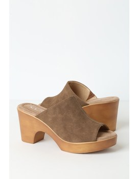 Allison Light Brown Nubuck Platform Sandals by Cl By Laundry