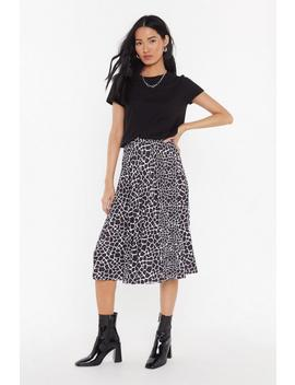 Pleated Giraffe Print Midi Skirt by Nasty Gal