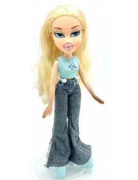 2001 Bratz   First Edition   Cloe   Original Outfit Shoes Long Blonde Hair by Mga Entertainment