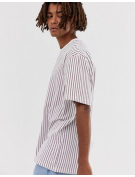 Camiseta Relax Con Rayas Verticales Rojas En Blanco De Brooklyn Supply Co by Brooklyn Supply Co