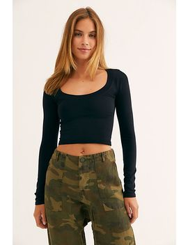 Scoop Neck Long Sleeve Crop by Intimately