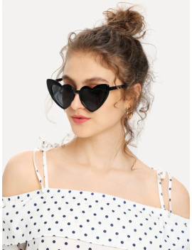 Heart Shaped Frame Sunglasses by Romwe