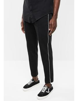 Tapered Pintuck,Piping Cropped Sweatpants   Black by Superbalist