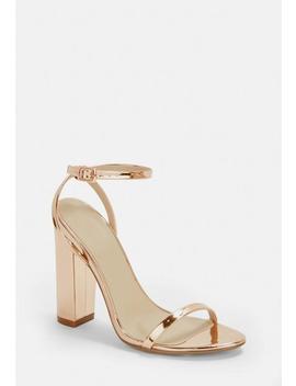 sandały-w-kolorze-różowego-złota-na-obcasie by missguided