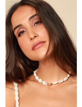 Speshell Occasion White And Gold Cowrie Shell Choker Necklace by Lulus