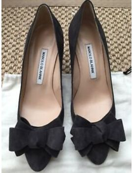 Manolo Blahnik Charcoal Grey Suede Heels With Bow Detail   Size 38 by Manolo Blahnik