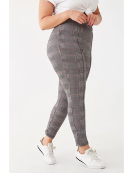 Plus Size Houndstooth Print Leggings by Forever 21