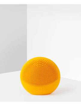 Luna Play Facial Cleansing Brush by Foreo