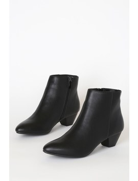 Abrie Black Pointed Toe Ankle Booties by Cl By Laundry