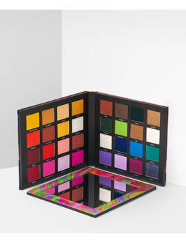 Me, Myself And Mmmmitchell Pressed Pigment Palette by Beauty Bay