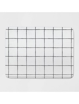 "23""X17"" Windowpane Memory Foam Rug White/Black   Room Essentials by Room Essentials"
