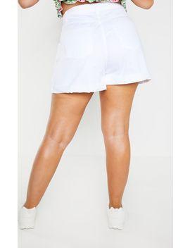 Plus White Turn Up Hem Mom Shorts by Prettylittlething