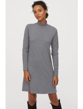 Geripptes Kleid Mit Turtleneck by H&M
