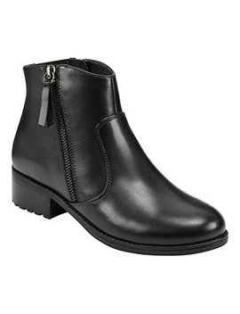 Rachele Ankle Boots by General