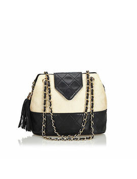 pre-loved-chanel-white-woven-raffia-chain-shoulder-bag-france by chanel