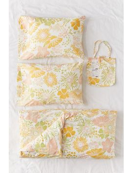 Gail Floral Duvet Set by Urban Outfitters