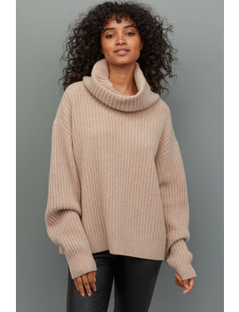 Gerippter Wollpullover by H&M