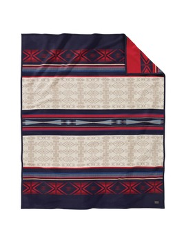 Big Horn Jacquard Robe Blanket by Pendleton
