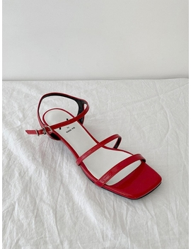 Meringue Sandals 1.1 In / Yy9 S S29 Red by Yy By Yuul Yie