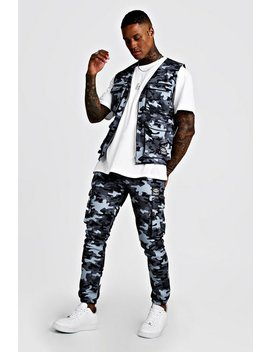 Camo Utility Vest & Jogger Set With Woven Man Tab by Boohoo Man