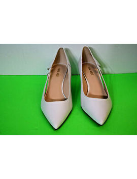 Nine West 7 Coyote  White Le Size 9 1/2 Medium Pre Owned by Nine West