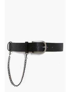Chain Detail Boyfriend Belt Chain Detail Boyfriend Belt by Boohoo