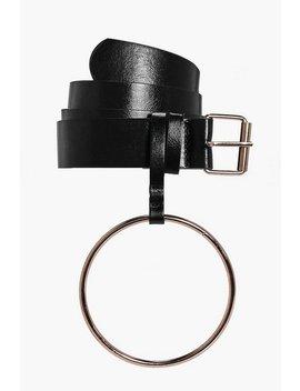 Oversize Loop Detail Belt Oversize Loop Detail Belt by Boohoo