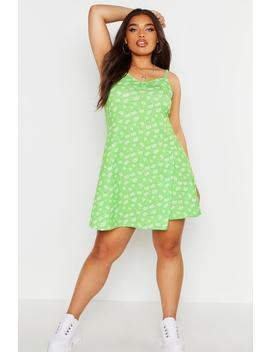 plus-ditsy-floral-basic-swing-dress by boohoo