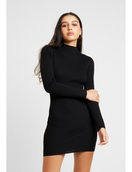 Basic High Neck Long Sleeve Jumper Dress   Strickkleid by Missguided