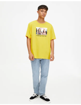 Gelbes T Shirt Stranger Things 3 Eleven Max by Pull & Bear