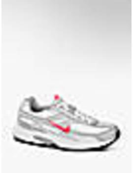 Sneaker Initiator by Nike