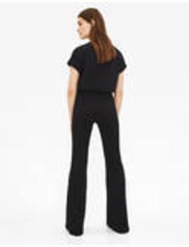 Spodnie Z Rozszerzanymi Nogawkami Z Prążkowanego Materiału by Bershka