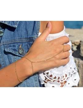 Bracelet Chaîne En Or à La Main | Bracelet De Doigt | Superposition De Bracelet | Sautoir Bracelet | Poignet Bracelet Bague | Petit Bracelet | Croissant | Pièce à Main by Etsy