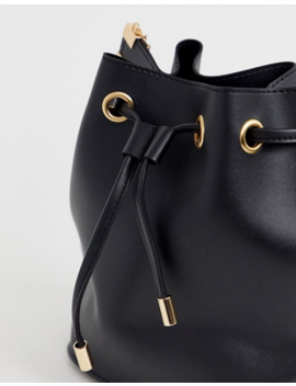 Yoki Slouch Bucket Bag With Hardware by Cart