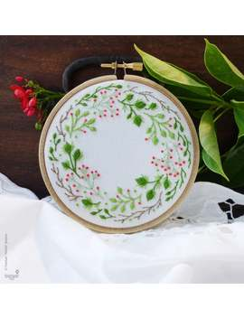 Christmas Wreath Modern Hand Embroidery Kit | 4 Inch (10 Cm) Holiday Hoop Art Embroidery Pattern By Tamar Nahir   Yanai   Christmas Crown by Etsy