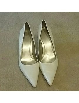 White Slightly Worn Leather Heels by Nine West