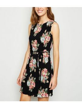 Black Floral Pleated Mini Dress by New Look