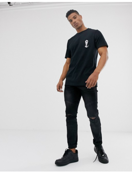 Pull&Bear – Schwarzes T Shirt Mit Eiskrem Totenkopf Auf Der Rückseite by Asos