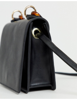 Liars &Amp; Lovers Exclusive Black Cross Body Bag With Resin Chain Handle by Liars & Lovers