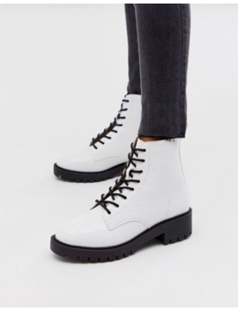 New Look Chunky Flatform Boots In White Croc by New Look