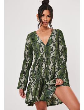 green-snake-print-tiered-smock-dress by missguided