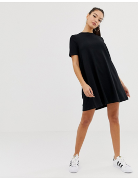 Asos Design   Robe T Shirt Courte Avec Dos Smocké by Asos Design
