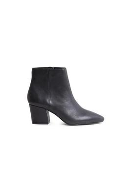 Missie Black Leather by Steve Madden